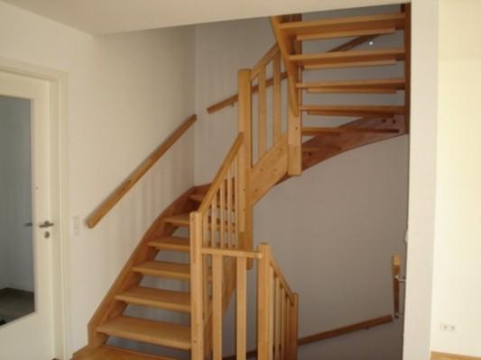 Trappen houten trappen doehetzelf trappen en for Dikte traptreden hout