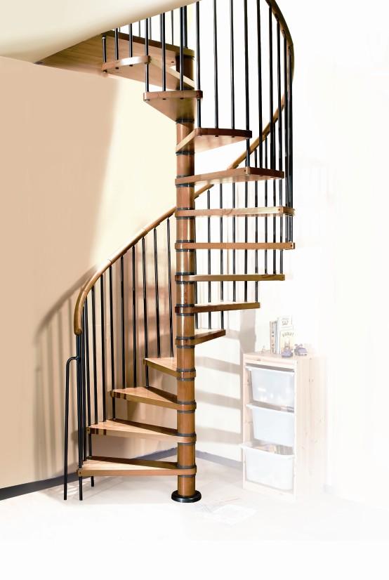 Trappen houten trappen doehetzelf trappen en for Stalen draaitrap